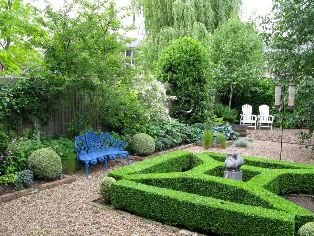 Services the london gardener for Garden maintenance london